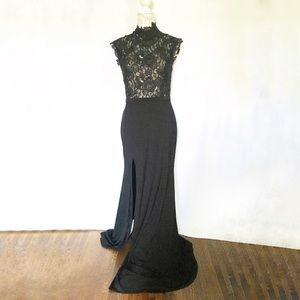 Cache // Black Lace Mock Neck Floor Length Gown 10